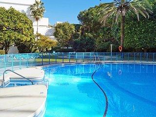 "Apartment a short walk away (262 m) from the ""Playa de La Fontanilla"" in, Marbella"