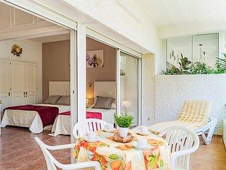 "Apartment a short walk away (244 m) from the ""Playa de Casablanca"" in Marbella"