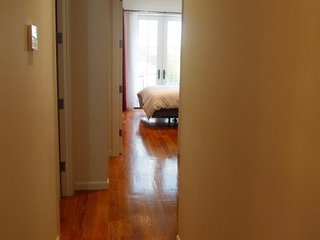 Apartment 1.2 km from the center of New York with Internet, Washing machine