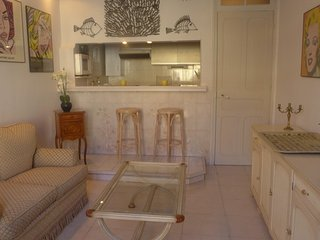 Apartment in the center of Nice with Air conditioning, Lift, Balcony, Washing, Niza