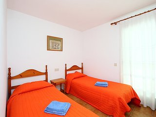 """Apartment a short walk away (54 m) from the """"Platja del Rastell"""" in Roses with"""