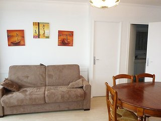 Apartment in Paris with Lift, Parking, Balcony, Washing machine (91521)