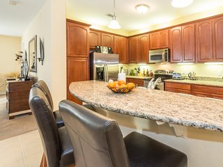 Disney On Budget - Vista Cay Resort - Feature Packed Relaxing 3 Beds 2 Baths