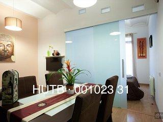 GowithOh - 14464 - Stylish apartment near Barcelona's Magic Fountain - Barcelona