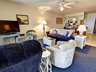 Hibiscus Resort - A303, Ocean Front, 2BR/2BTH, 3 Pools, Wifi, Saint Augustine