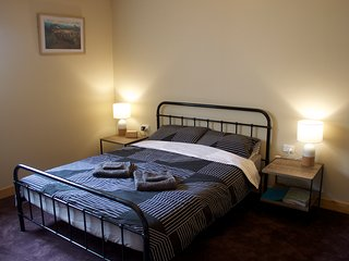 ThreehillsD&B&B, Staverton