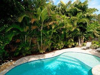 Island Hideaway East: 2BR Kid-Friendly Pool Home