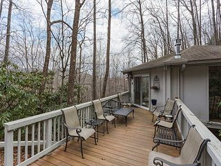 Great 2 bedroom 2 bath home in Montreat!