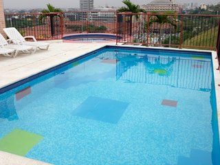 1-Bedroom Chipichape Penthouse with Rooftop Pool, Cali