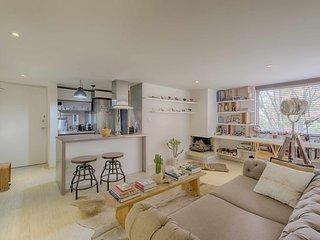Gorgeous Avant-Garde Apartment