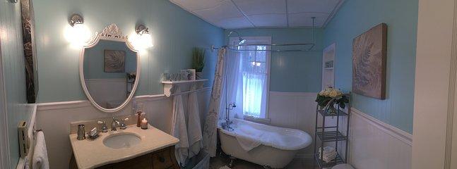 Master Bathroom - First Floor
