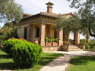 VILLA LORI, Torgiano