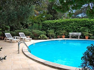 3 bedroom Villa in Grasse, Provence-Alpes-Cote d'Azur, France : ref 5051907