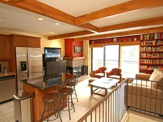 Aspen Townhouse East Unit 4