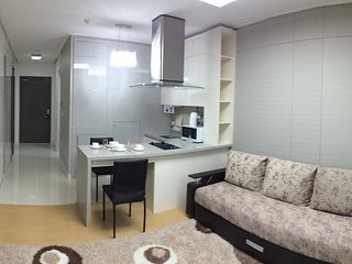 «G - Room» Apartments Highvill