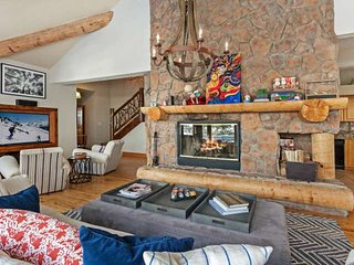 Single Family Home above Donovan Park, Close to Slopes, Gorgeous Vail Valley