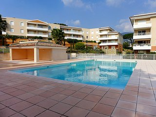 2 bedroom Apartment in Cavalaire-sur-Mer, Provence-Alpes-Côte d'Azur, France :