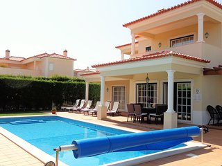 Villa with large pool and garden at Praia D'el Rey Golf & Beach Resort