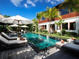 Prestigious Luxury 6 Bedroom Villa, Central Seminyak
