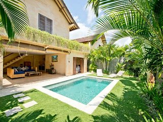 Located in the heart of Seminyak - 2BR Seminyak Villa (Mimpi Villa)