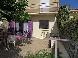 5 bedroom Villa in Narbonne Plage, Herault Aude, France : ref 2285090