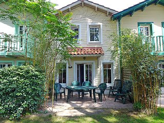 3 bedroom Villa in Lacanau, Gironde, France : ref 2286413