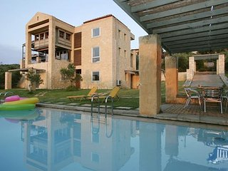 Villa in Crete : Chania Area Villa Nike