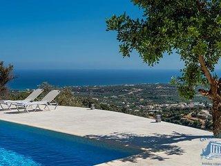Villa in Crete : Rethymno Area Villa Eurybia