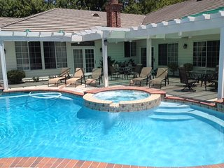 5000 Sq.F(500m2),16miles to Disneyland, gated,pool, Diamond Bar