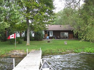 Kawartha All-Season Lakefront Cottage