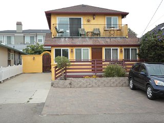 Beach House For You -East Cliff Yellow Beach House, Santa Cruz