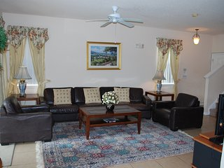 Villa Near Disney,4BdRm/3.5Ba,Star War/Frozen Rm,2 KingsBd,60' TV,Private Pool