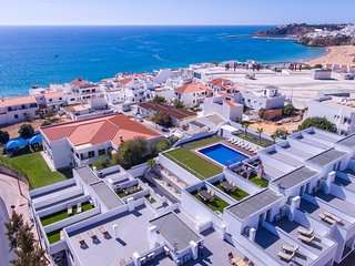 New Deluxe townhouse 'C' in Albufeira center