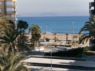 Amplio y acogedor apartamento en la Playa de San Juan de Alicante.