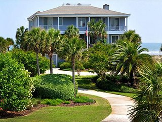 Week 8/5/17 Discounted !!! Oceanfront Home with Private Pool, Isle of Palms