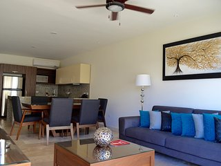 Modern and comfortable 2b PH in the heart of town, Playa del Carmen