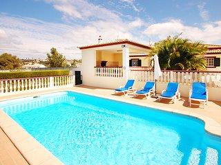 Villa ARVELA, Fenced pool area, air con, wifi, table tennis, close to beach, bbq