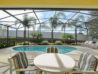 Villa 530 - 4 Bed 3 Bath Villa with Private SOUTH pool, modern furnishings, Haines City