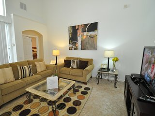 Florida Villa 2267, Windsor Palms,  5 Bed 3.5 Bath Villa,Only 3 miles to Disney, Kissimmee