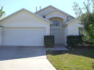 Villa 964, Westridge, 3 Bed Villa, SOUTH facing Pool, Only 15 minutes to Disney, Davenport