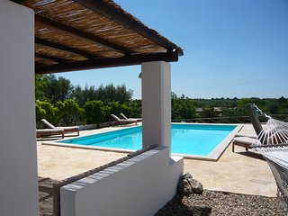 Luxury Trullo Alberobello, HEATED PRIVATE Pool, Sofa Gazebo, Hammock, Pano Views