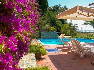 Apt in Porto Ercole ♥ 4sleeps Airco Communal Pool Private access to the beach
