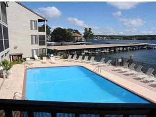 -WIFI- Water Front*Next to Pool*1 Bed/1 Bath - Sleeps 4 -HEART OF OSAGE
