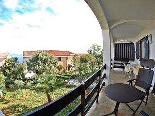 FAMILY APARTMENT WITH SEA VIEW, 400M FROM BEACH