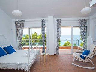 Maresi Sea View Maisonette