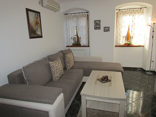 Apartments Popovic, Kotor Old town, Spacious Two bedroom apartment