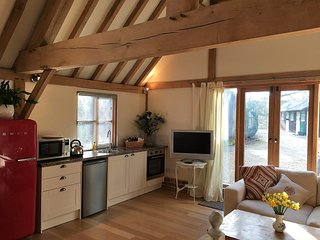 Beautiful barn conversion holiday rental, 2 miles from Rockbourne, Fordingbridge