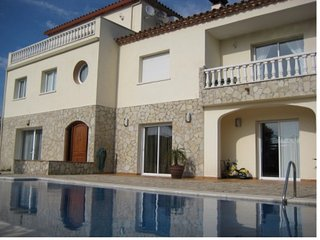 Excellent villa very comfortable and good design just minutes to the beach
