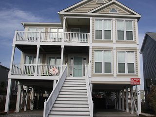 5BR/4.5BA pet friendly, private pool, near beach, Ocean Isle Beach