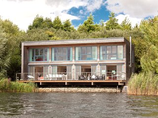 2 lodges at Lakes by Yoo/ joint rental/sleeps 16 adults and 6 kids/on site spa